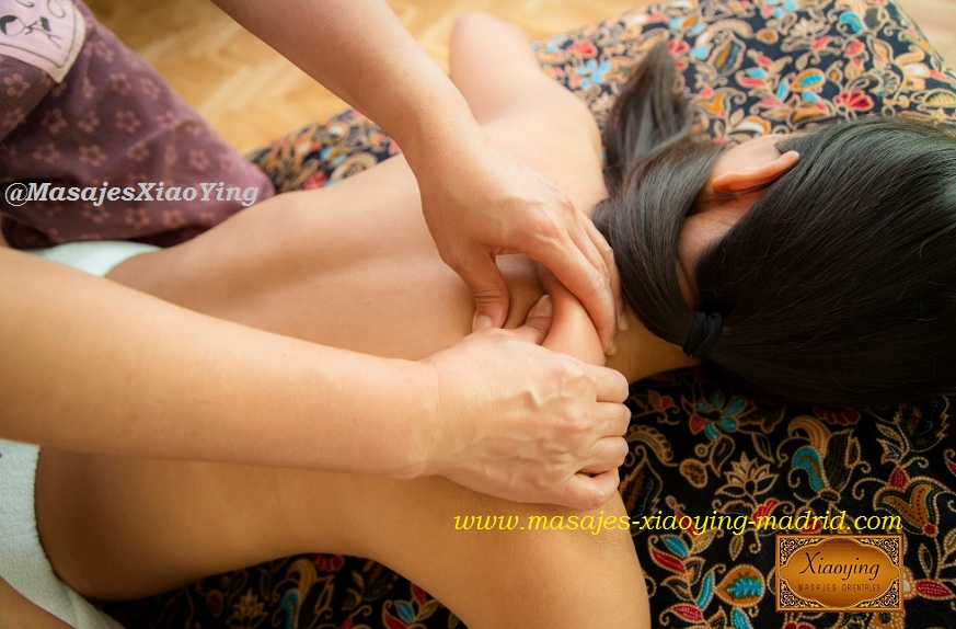 nuad nam man thai oil massage