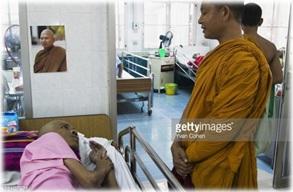 monjes budistas y medicina