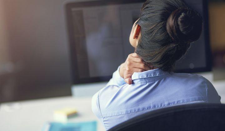 dolor cervical y masaje en cuello